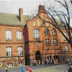 Schulgebäude vor der Renovierung