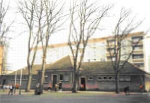 Sanitärgebäude mit Räumen für den Werkunterricht